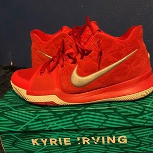 "Kyrie 3 ""UNIVERSITY RED"""